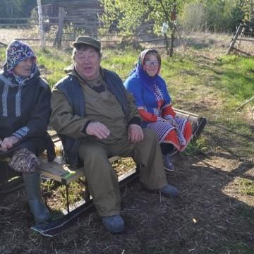Вячеслав Новьюхов общается с Иосифом Куртямовым