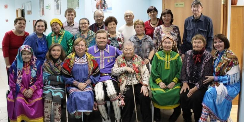 Представители старшего поколения встретились в национальной редакции